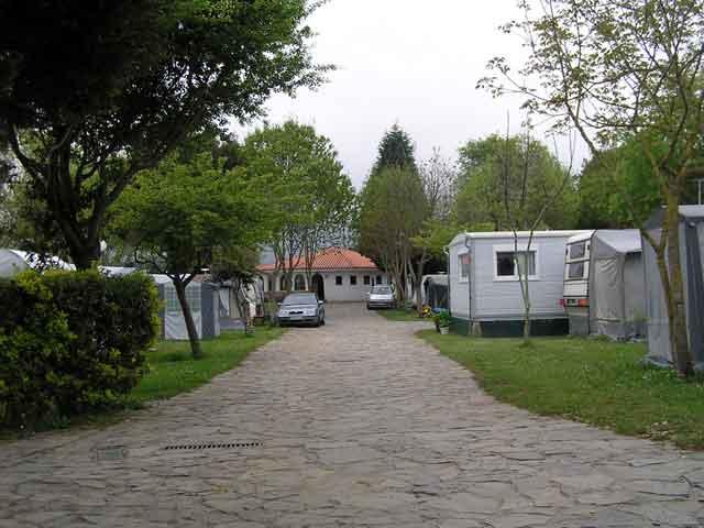 Be a happy camper campings en asturias for Camping en llanes con piscina