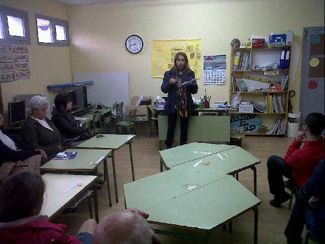 Marian García durante su intervención en el mitin de ayer en Celorio - Celoriu.com