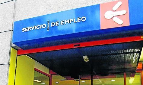 El paro baja en llanes 202 personas durante el mes de - Oficina de empleo asturias ...