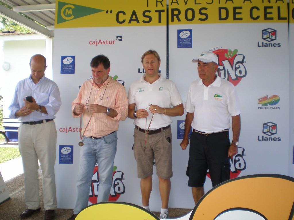 Las autoridades durante la entrega de premios en Celorio - Celoriu.com