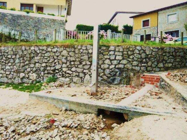 Estado actual de las duchas de Las Cámaras en Celorio - Fuente: La Hoguera