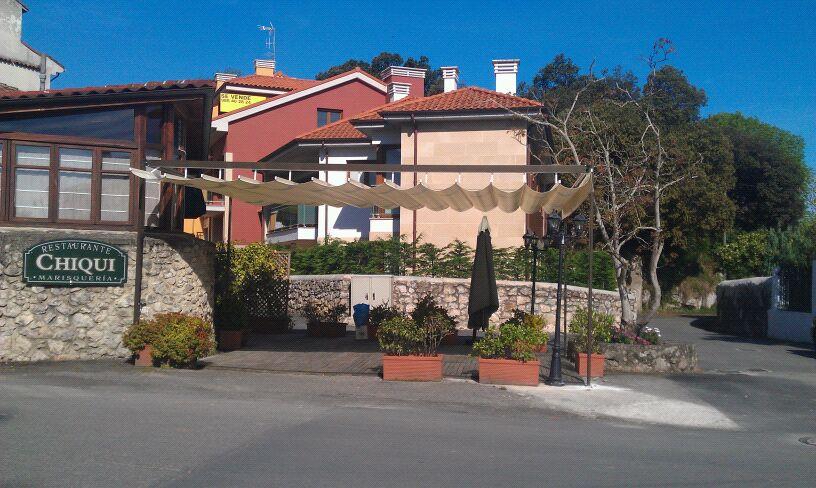 Nueva terraza del Restaurante Chiqui de Celorio, Llanes - Celoriu.com