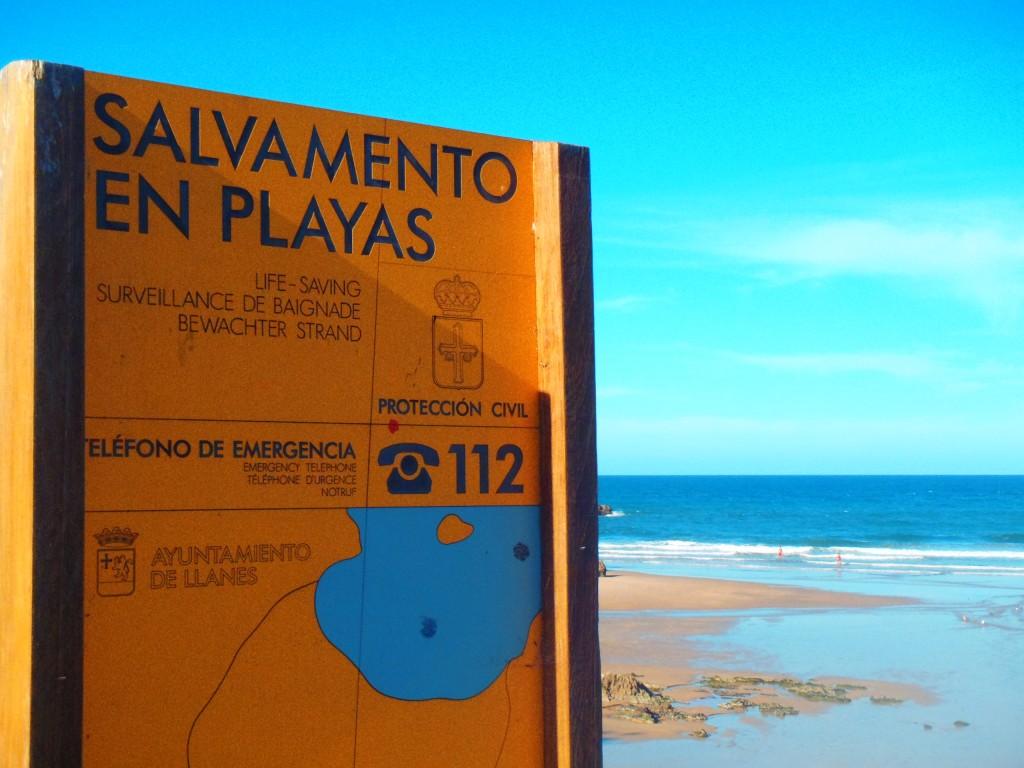 Salvamento en playas de Llanes - Celoriu.com