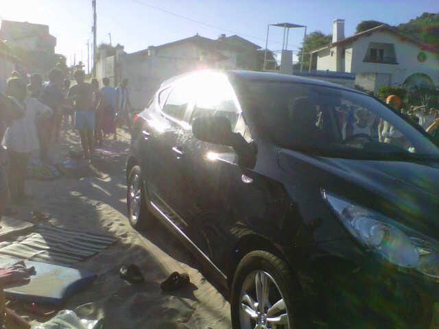 El coche una vez parado en al arena de Palombina - Javi Braña - Celoriu.com
