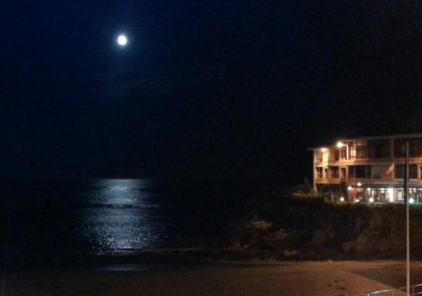 La luna se baña en el Sablón - Celoriu.com