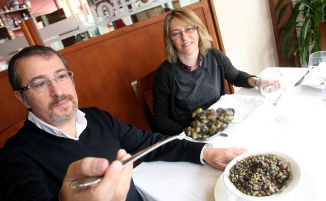 Pepe y Mariní en el Restaurante Chiqui de Celorio - Celoriu.com