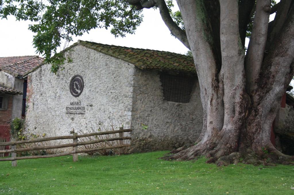 Museo Etnográfico Llacín en Porrúa - Celoriu.com