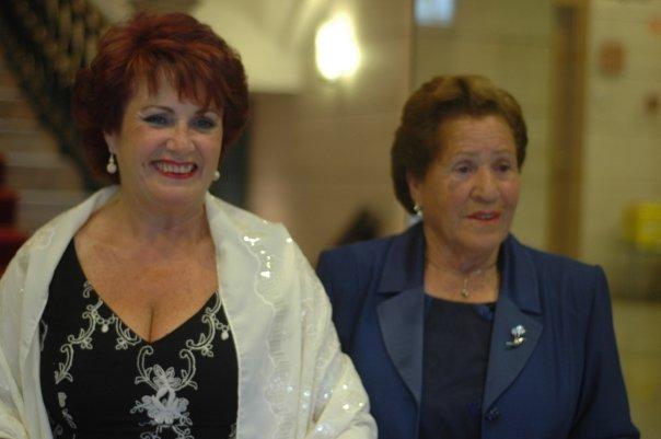 Celsa Álvarez, con su hija Seny - Celoriu.com