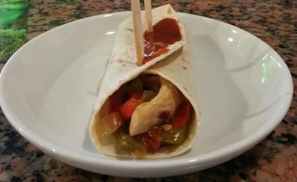 """Taco de pollo con salsa picante en """"Bar Epoka"""" - Celoriu.com"""