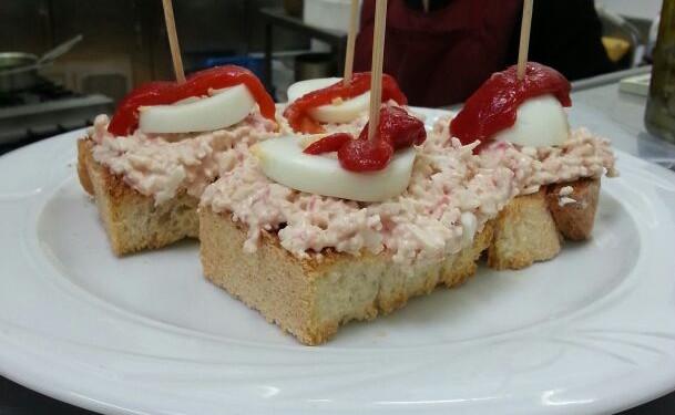 """Pincho de Chaca con huevo cocido y pimiento en """"El Castru Gaiteru"""" - Celoriu.com"""