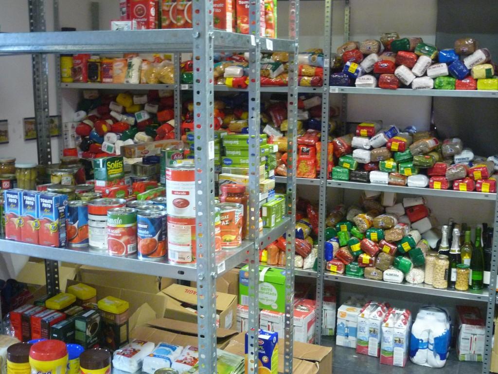 Llanes Ayuda Solidaria nueva entrega de alimentos - Celoriu.com
