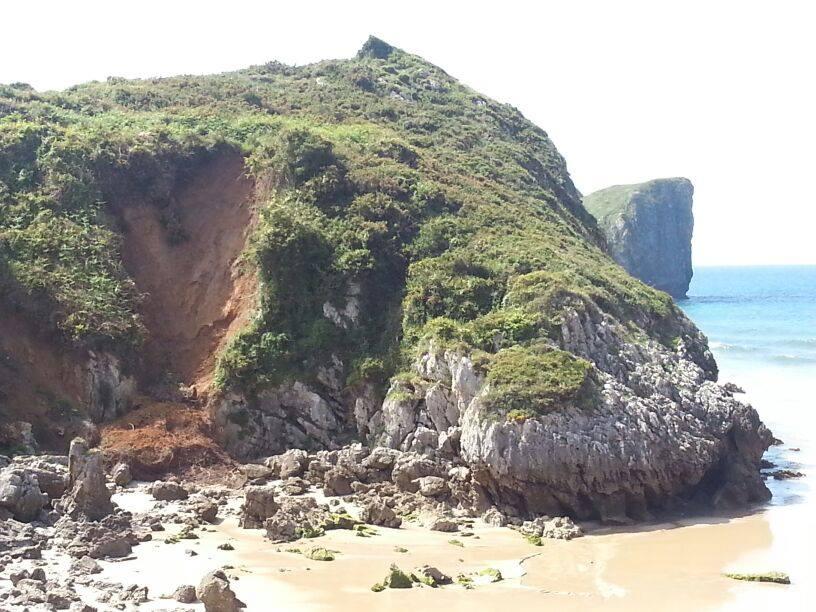Argayu en la playa de Portiellu en Celorio, Llanes - Celoriu.com