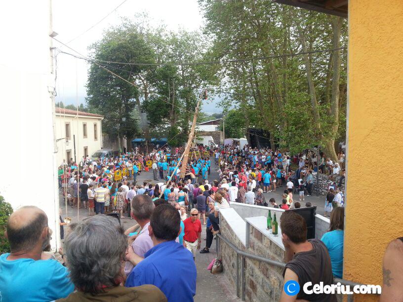 Fiesta de la Hoguera 2013 en Celorio Llanes - Celoriu.com