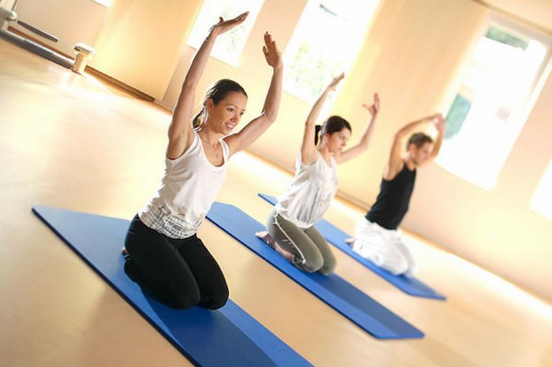 Clases de Inglés, Pilates y Yoga en Llanes Asturias - Celoriu.com