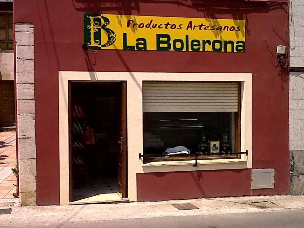 """Nueva tienda de alimenbtación en Celorio """"La Bolerona"""" - Celoriu.com"""