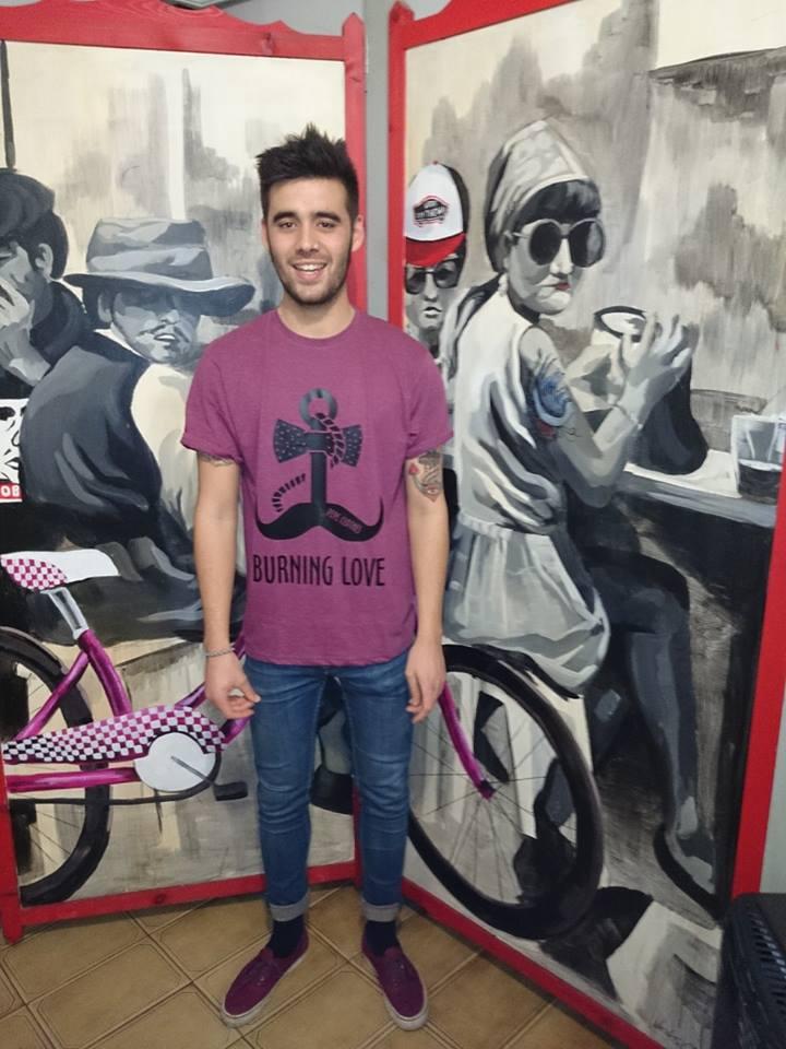 """Javi Gavito, con una de sus creaciones para """"Pepe Clothes"""" - Celoriu.com"""